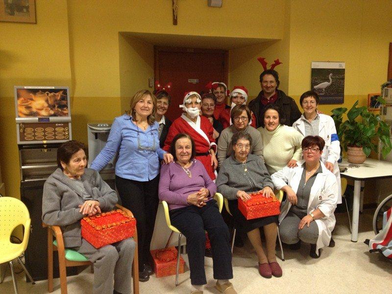 Natale in allegria alla casa di riposo di corridonia for Piani casa di riposo