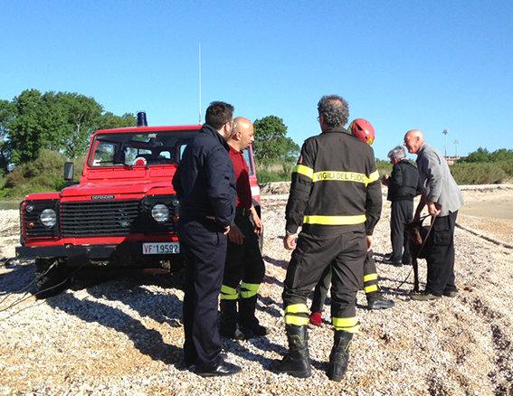 Cesare Paciotti finisce con l auto nel fiume  2670c46730b