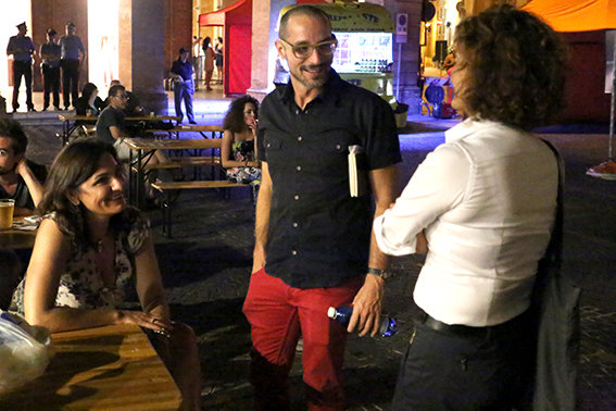 Termina il maracuja festival con lo show dei gemelli diversi cronache maceratesi - Tu no gemelli diversi ...