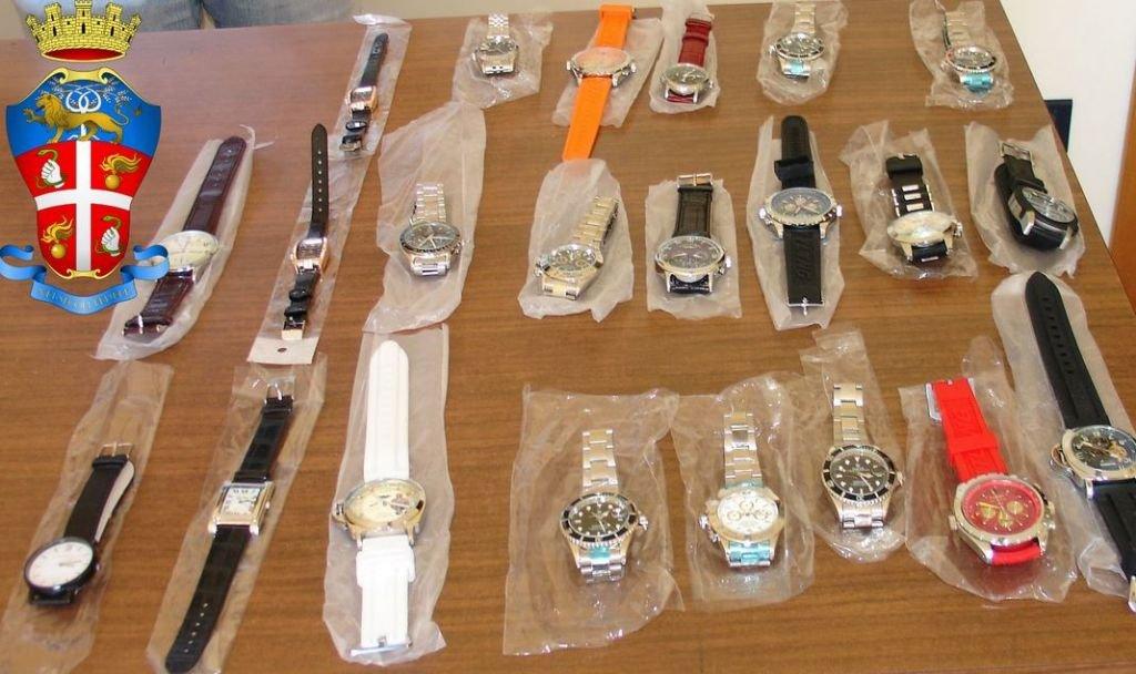 a basso prezzo ff202 7bd9f Rolex e Ray-ban falsi: sequestrata merce per 10mila euro ...