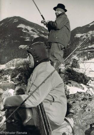 Mattei e Peter a pesca su uno degli afluenti del lago di Anterselva