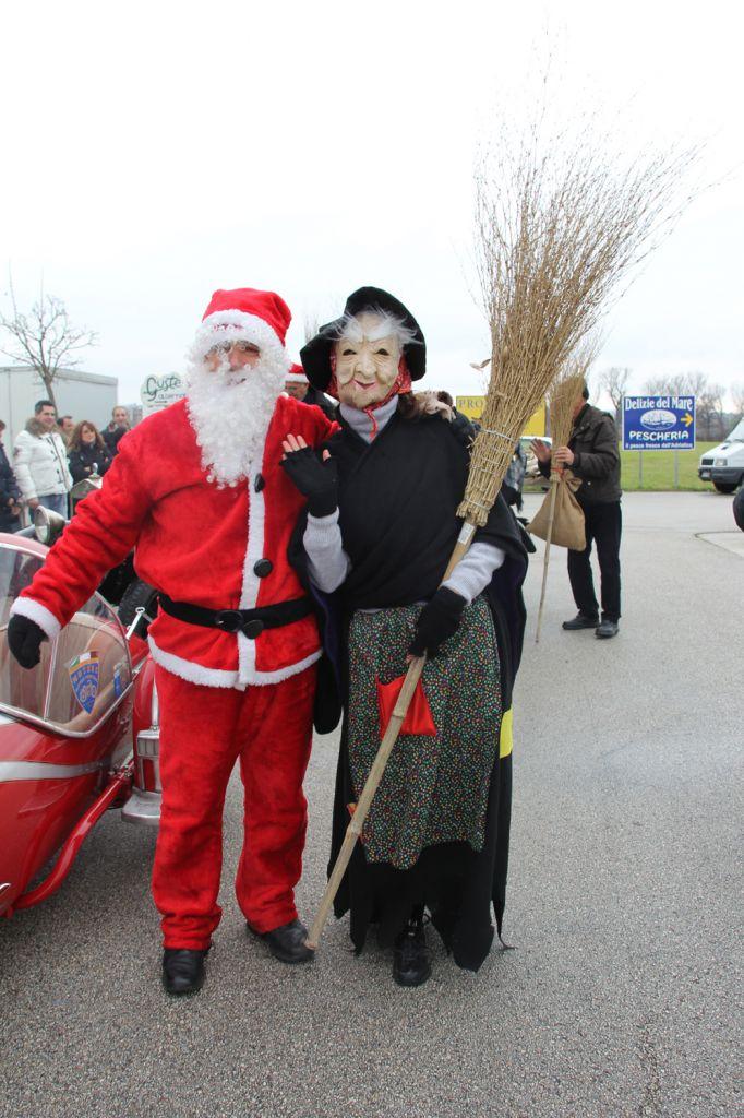 Befana E Babbo Natale.Candidati Sindaco A Macerata Pure Babbo Natale E La Befana