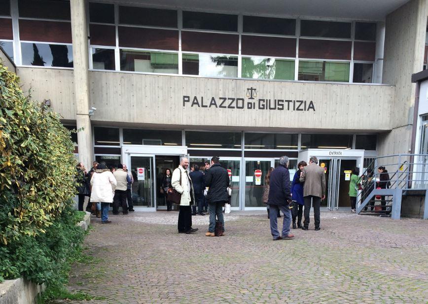 Appropriazione indebita ancora guai per il geometra zucconi cronache maceratesi - Bagno 37 silvana bellaria ...