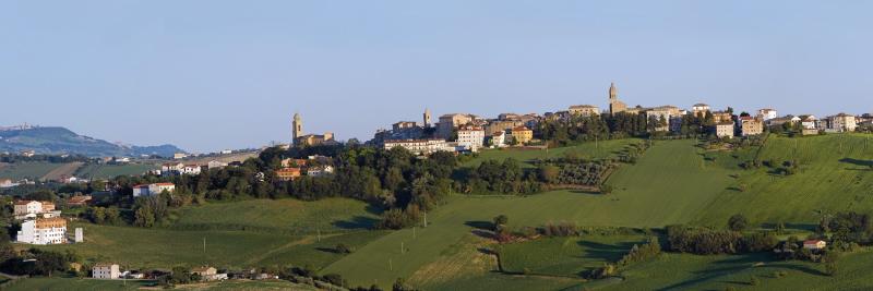 Giulio conti travolto da un terremoto politico a monte - Nero giardini monte san pietrangeli ...