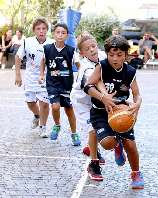 I giochi di san giuliano basket e burraco in piazza for Risparmio casa corridonia