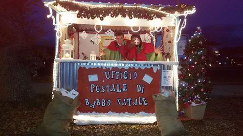 Elfi postini e babbo natale animano il quartiere casette for L ufficio postale di babbo natale