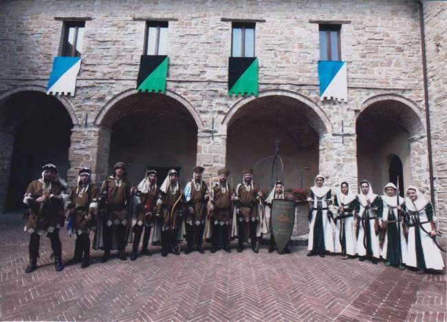 Un tuffo nelle atmosfere medievali gli arcieri si sfidano for Risparmio casa corridonia