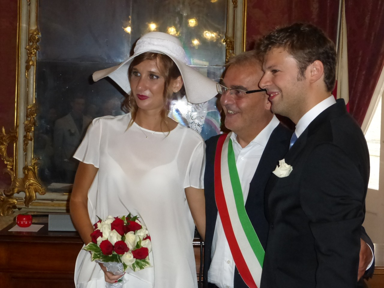 Letture Matrimonio Rito Romano : Alessandro e laura sposi sotto la torre dell orologio