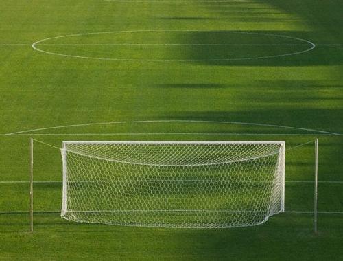 Un campo per tre squadre il sindaco basta capricci via - Misure porta di calcio ...