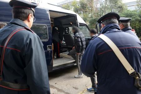 Due clandestini espulsi dopo il blitz all hotel house for Regolarizzazione stranieri senza permesso di soggiorno