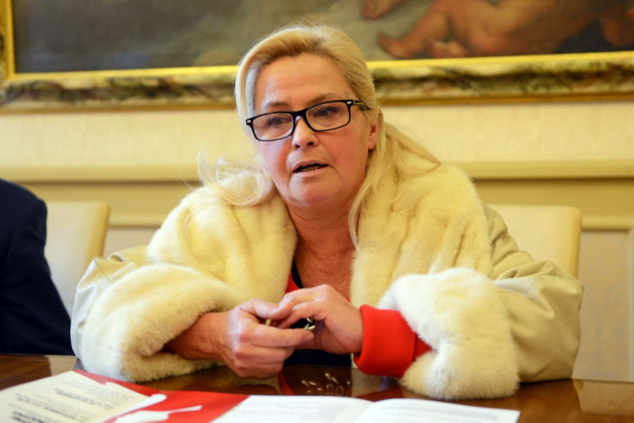 Sede per l agenzia delle entrate cecchetti fatto una proposta non ritenuta idonea cronache - Telecamera nascosta nel bagno delle donne ...