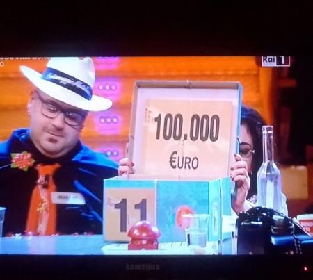 Vince 24mila euro ad affari tuoi ma aveva un pacco da - Gioco da tavolo affari tuoi ...