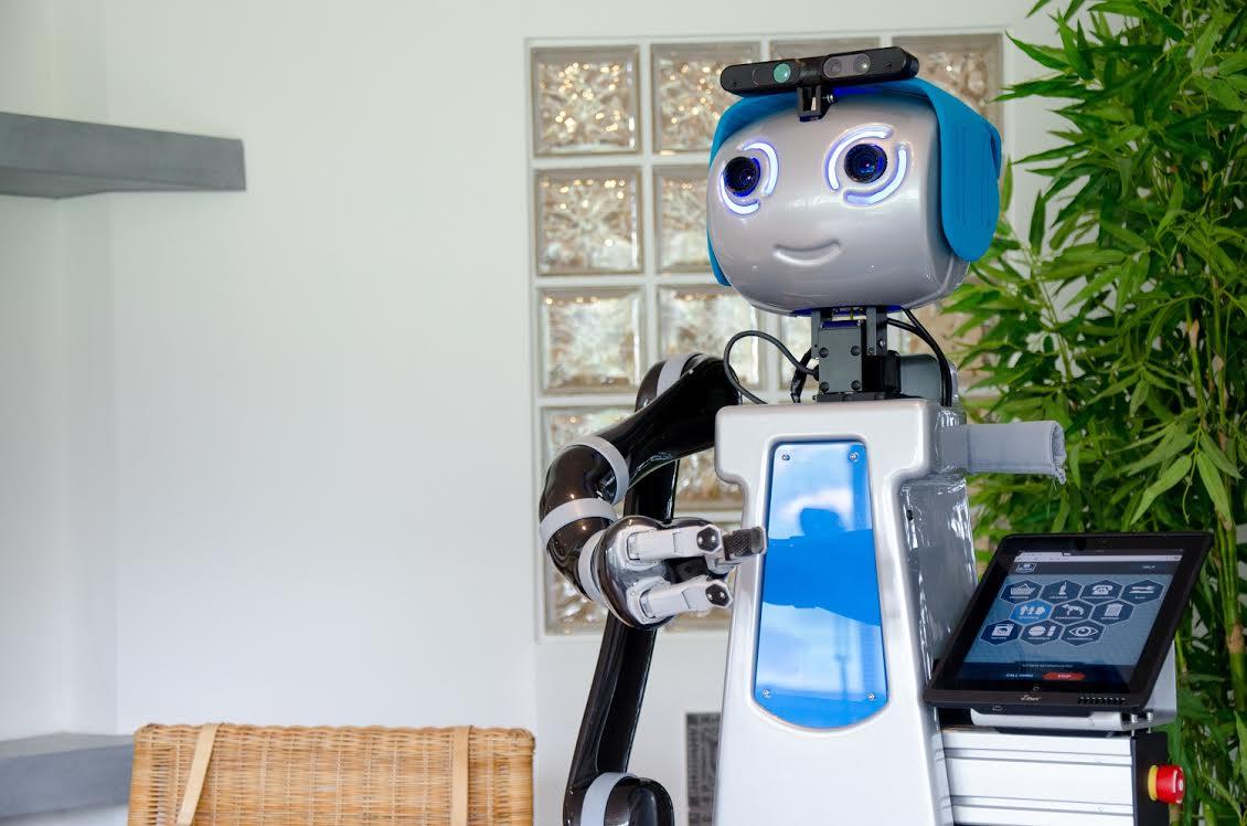 dora robot domestico al servizio degli anziani