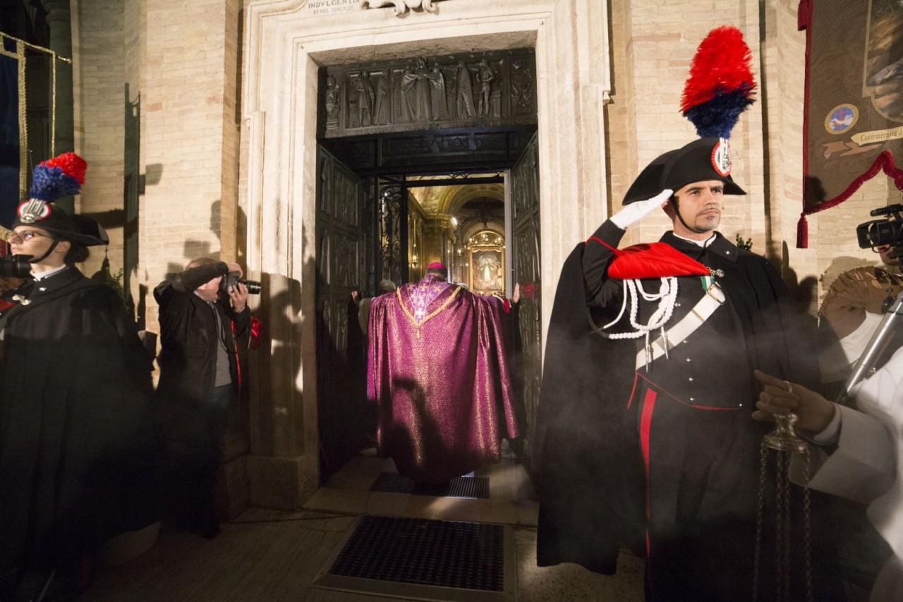 Porta santa processioni ogni fine settimana fino a marzo - Immagini porta santa ...