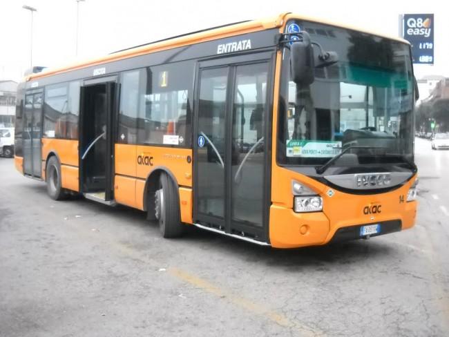 l atac compra 7 nuovi bus per il 2016 pi acqua dalla