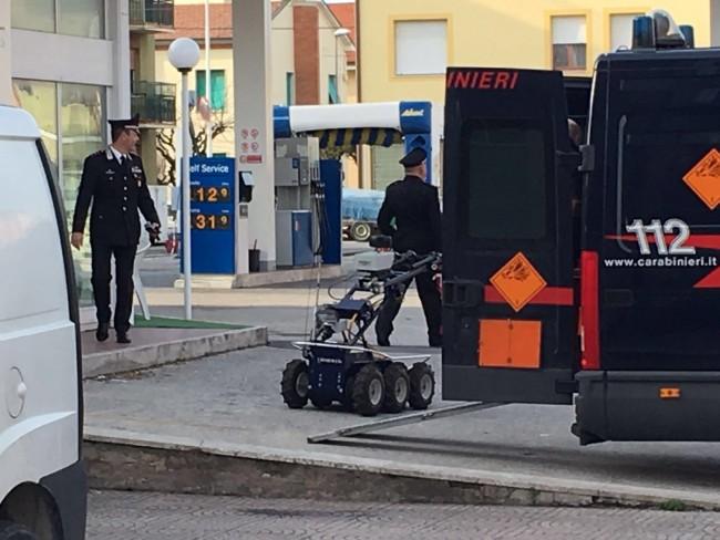 allarme bomba porto potenza carabinieri vigili del fuoco Fdm robot artificieri