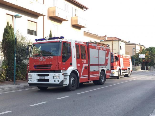 allarme bomba porto potenza carabinieri vigili del fuoco pompieri Fdm