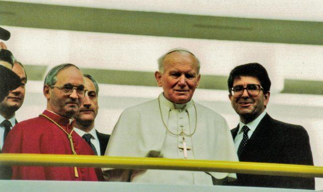 """Foto tratta dal volume """"Giovanni Paolo II visitò la diocesi di Fabriano-Matelica"""",ed. Diakonia ecclesiale Fabriano, Camerano 1999."""
