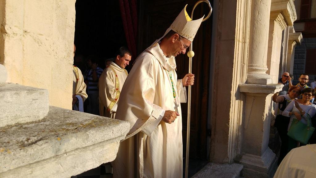Fabriano ha accolto il nuovo vescovo stefano russo cronache maceratesi - Sogno casa fabriano ...