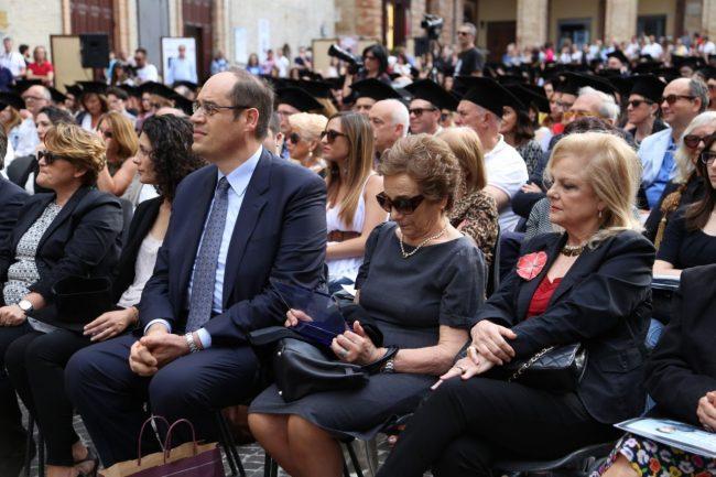 festa del laureato 2016 unimc piazza foto ap (19)