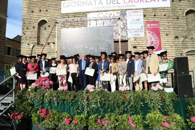 festa del laureato 2016 unimc piazza foto ap (23)