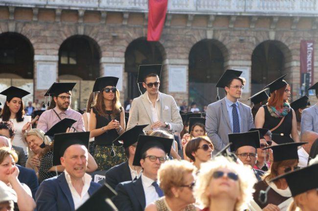 festa del laureato 2016 unimc piazza foto ap (34)