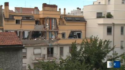 Milano: esplode palazzina per una fuga di gas, tre morti/Adnkronos (3)
