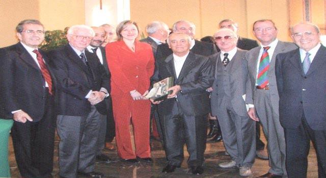 La consegna del Premio Gentile da Fabriano nel 2002