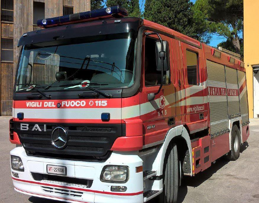 Rogo in un garage distrutte due auto cronache maceratesi for Costo del garage di due auto