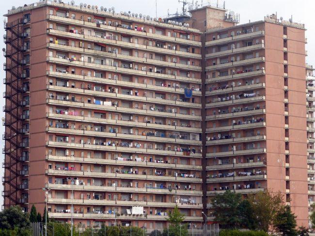 Oltre 400 minori all hotel house un emergenza nazionale for Risparmio casa corridonia