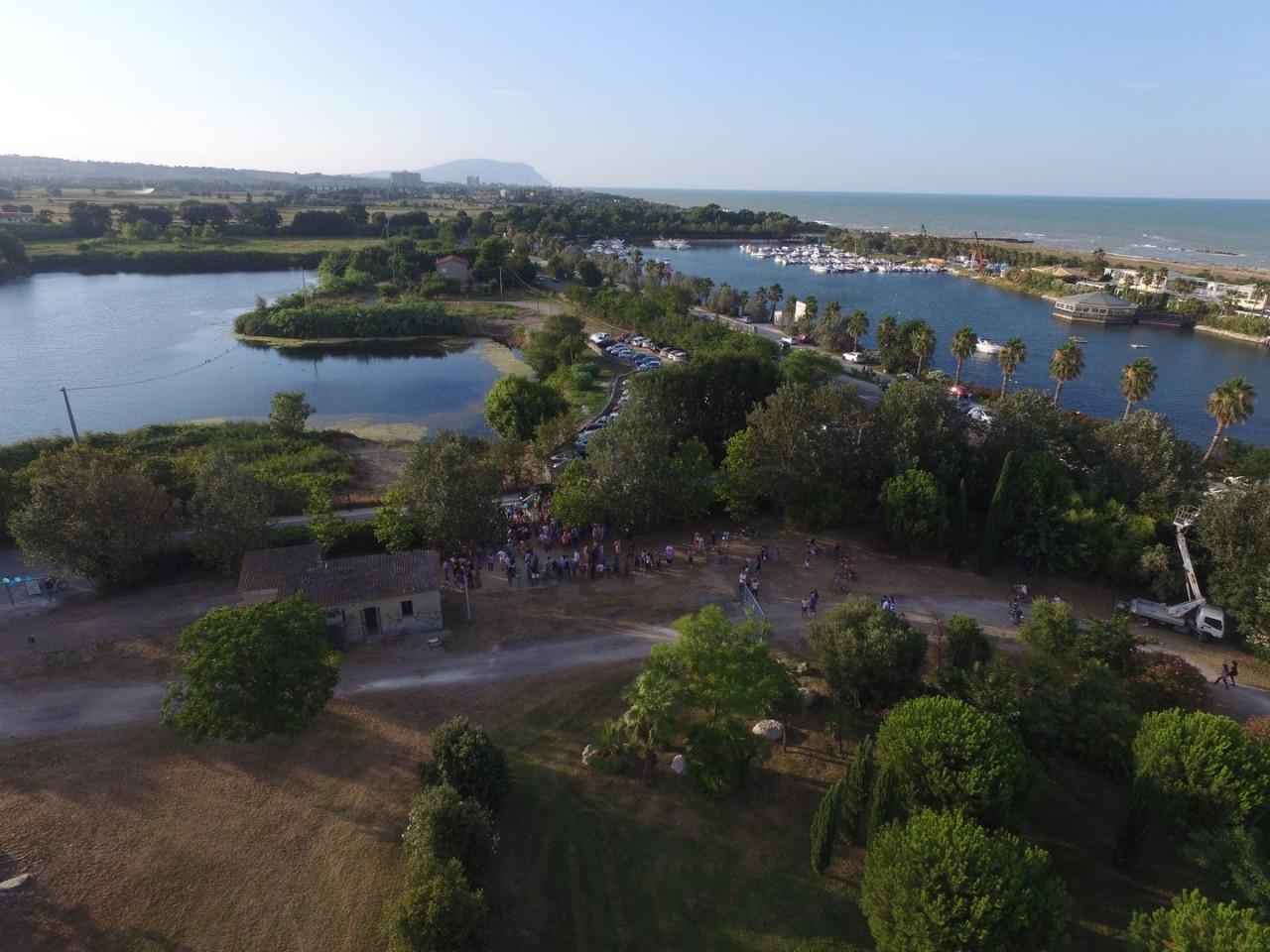 Riapre il parco dei laghetti le foto dal drone cronache for Articoli per laghetti