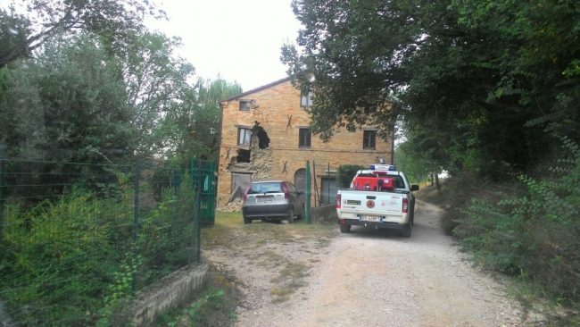 Colmurano 2 famiglie miracolate ma la ricostruzione un for Risparmio casa corridonia
