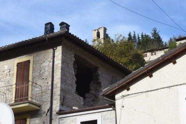 Crolli a Castelsantangelo sul Nera