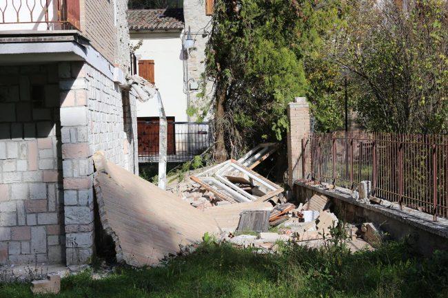terremoto-Ussita-crolli-Sasso_foto-LB-7-650x433