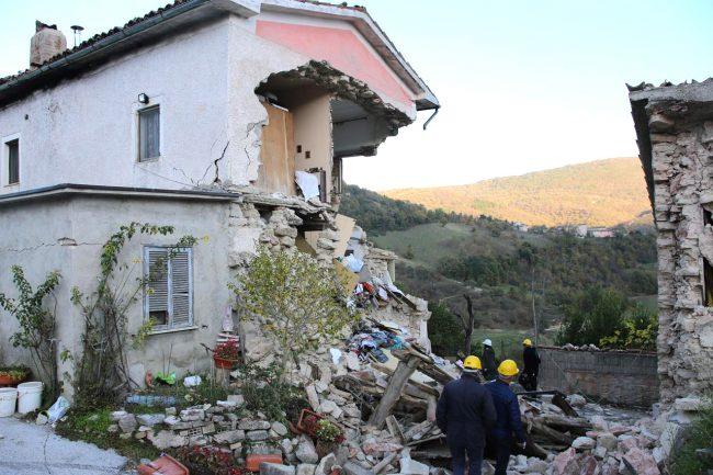 La casa crolla bloccati una notte in cucina al buio senza via di scampo cronache maceratesi - Casa senza fondamenta terremoto ...