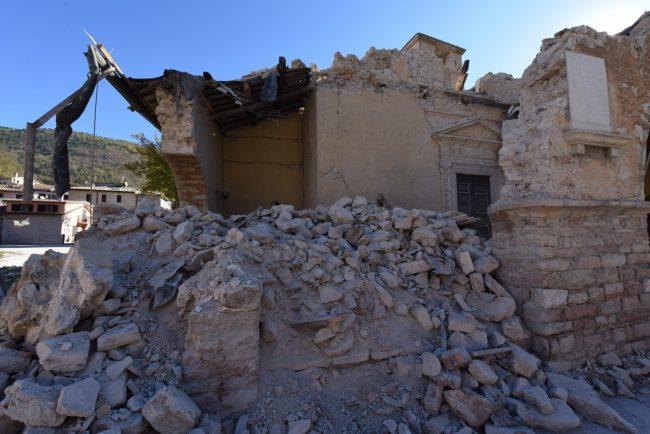 villa_santanatonio_terremoto_30_ottobre_foto_de_marco-1