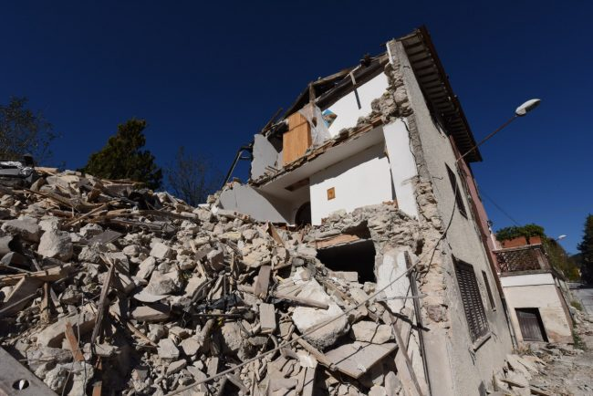 villa_santanatonio_terremoto_30_ottobre_foto_de_marco-10