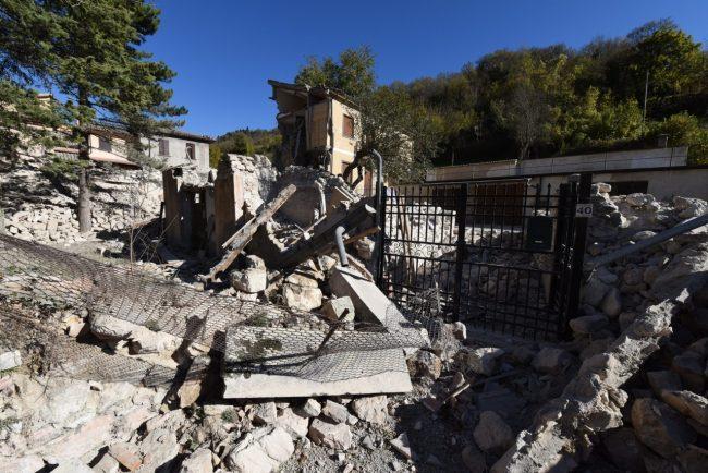 villa_santanatonio_terremoto_30_ottobre_foto_de_marco-8