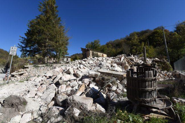 villa_santanatonio_terremoto_30_ottobre_foto_de_marco-9