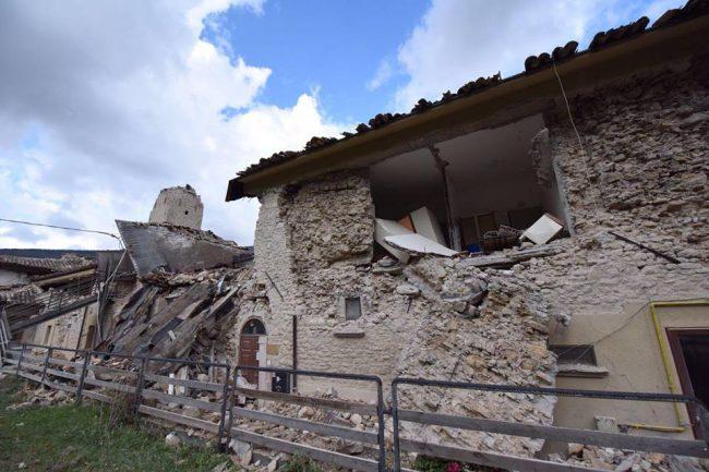 Case Di Pietra Terremoto : Terremoto «se non potete ridarmi casa almeno seppellitemi sulla