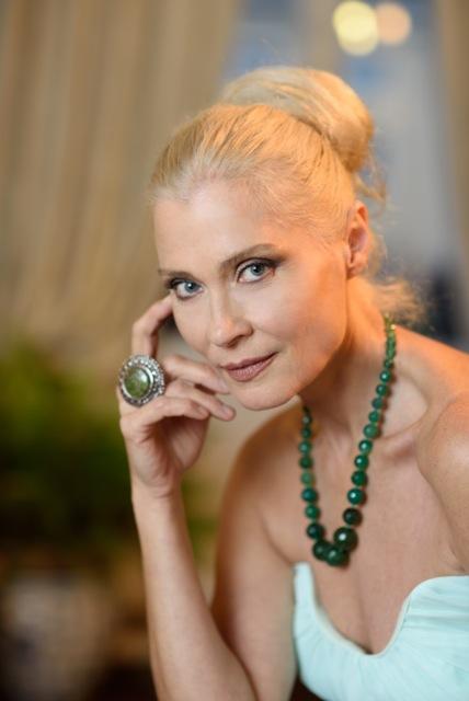 Isabel Russinova Nude Photos 19