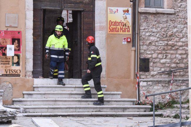 terremoto-zona-rossa-piazza-museo-civico-diocesano-visso-fdm-2