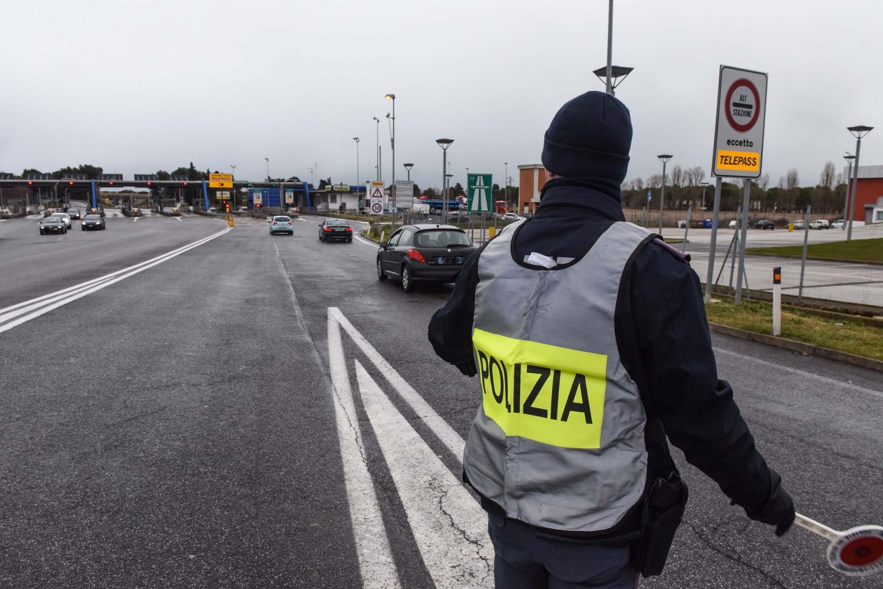 Incidente a Novara: travolto da un'auto mentre attraversa la strada