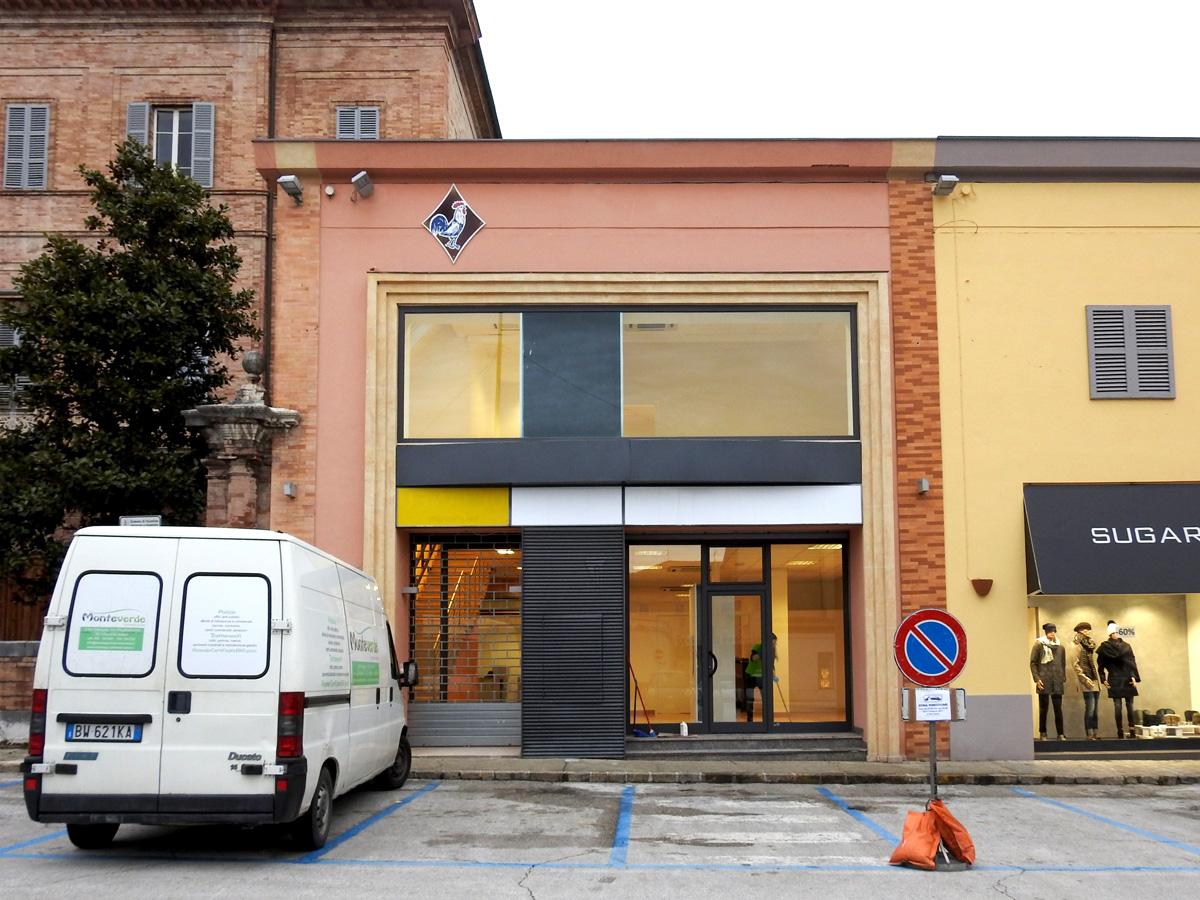 Sisma gli uffici comunali traslocano cronache maceratesi for Ufficio tributi