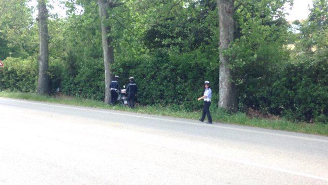 Incidente, fuori strada con lo scooter: 55enne in gravi condizioni