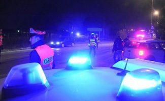 Attraversa il ponte nella notte, travolto da un'auto: operaio in Rianimazione