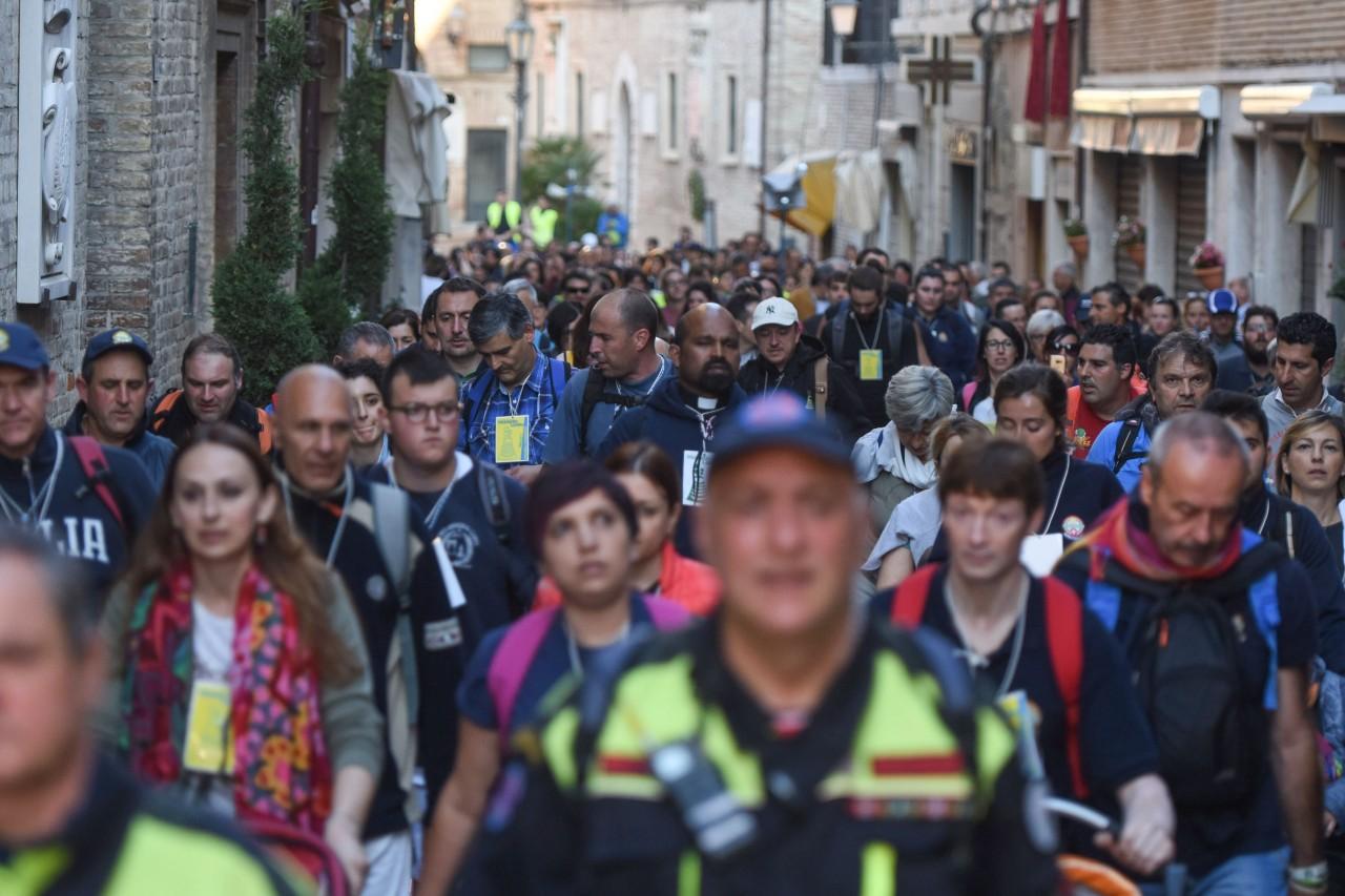 pellegrinaggio macerata - loreto - piazza - FDM (13)