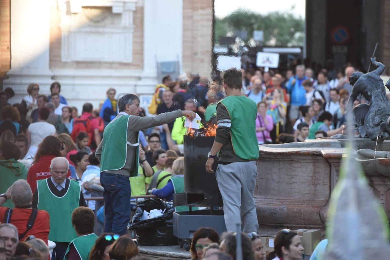 _pellegrinaggio macerata - loreto - piazza - FDM (20)