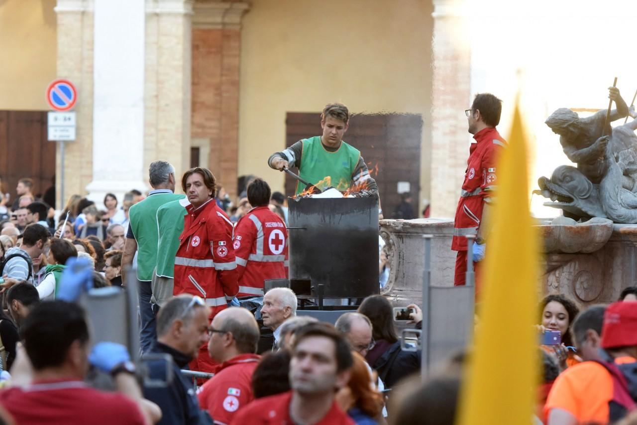 pellegrinaggio macerata - loreto - piazza - FDM (22)