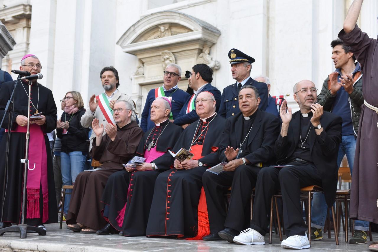 _pellegrinaggio macerata - loreto - piazza - FDM (4)